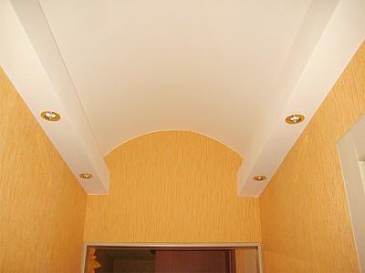 Сводовый потолок в коридоре